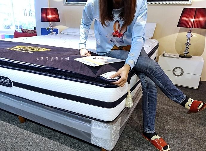 19 睡眠王國 Sleep Country 美國席夢思名床2萬有找 貨櫃抵台首賣會.JPG