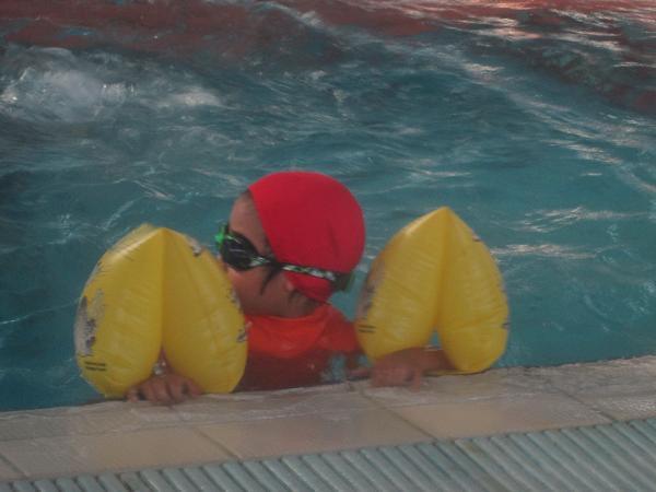2013.1127@小乖第一次上游泳課6