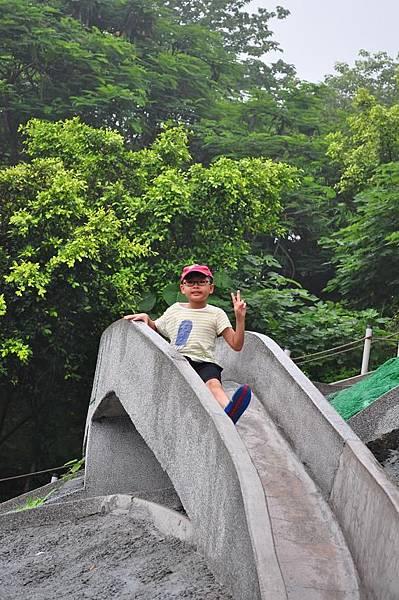 2014.0614@彰化百果山溜滑梯3