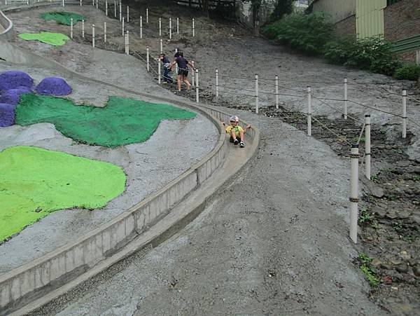 2014.0614@彰化百果山溜滑梯7