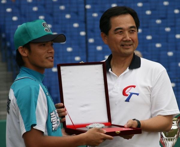 最佳二壘手由台北縣...JPG