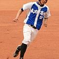 3-一壘手胡佩華-2.JPG