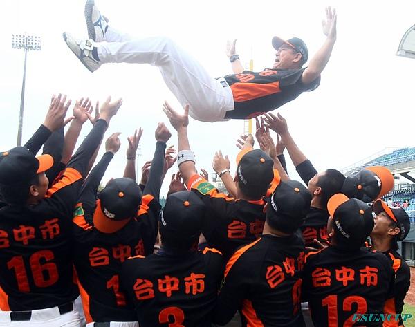 等了三年,臺中市代表隊終於奪得錦標歸,將代表台灣參加第24屆世界青棒錦標賽。