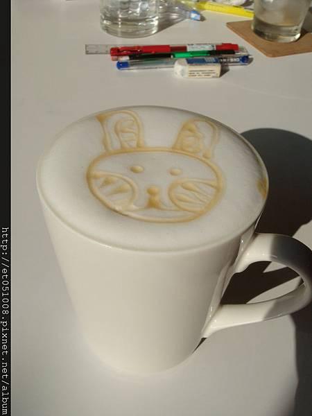 兔兔版紅茶拿鐵