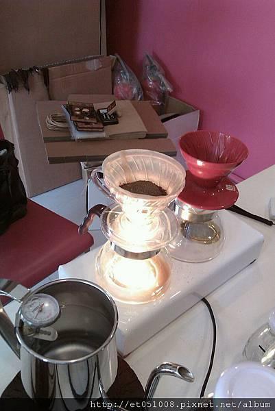 【Rice Caff'e 米咖啡】冰日曬耶加-沖泡中