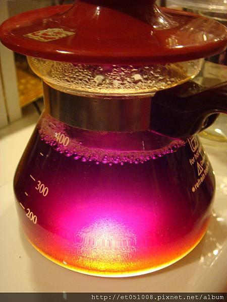 桃紅色的咖啡