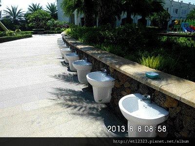 虎尾春子幼稚園(Spring Kid)環境介紹  ---   運動場旁小朋友專用的洗手台