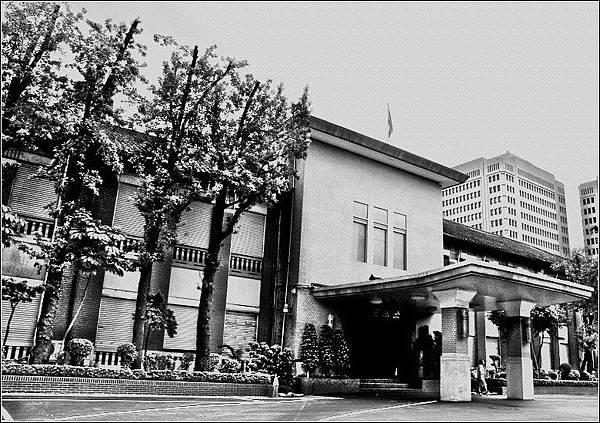台北州立台北第二高等女學校(今立法院)