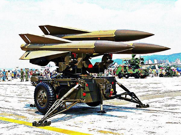 「鷹」式地對空飛彈防空系統