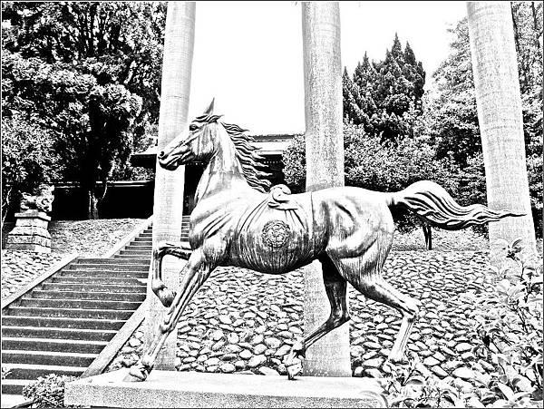 桃園神社神馬(銅馬)