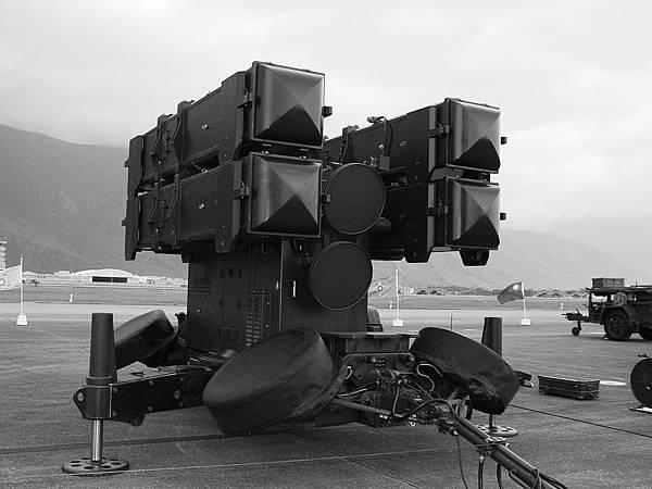 AIM-7F 地對空麻雀飛彈