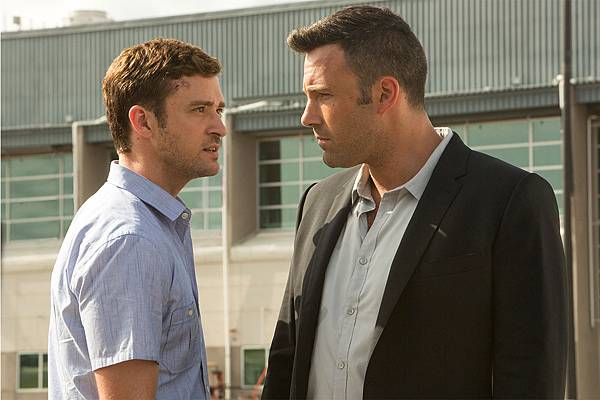 justin-timberlake-ben-affleck-face-off-in-runner-runner