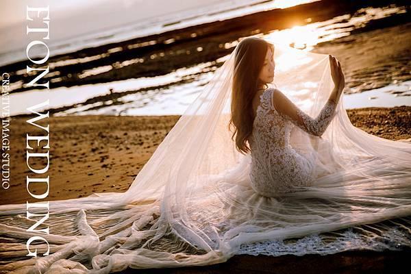 海邊婚紗造型,海邊婚紗道具,海邊婚紗照姿勢,海邊拍婚紗,北部 海邊婚紗照景點,中部海邊婚紗,婚紗照,拍婚紗,婚紗攝影,海景婚紗 (9).jpg
