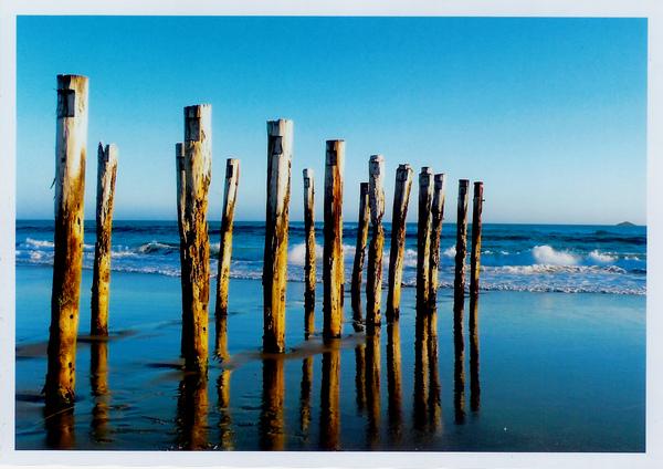 我將但尼丁的夏日風情裝在這裡,而夕陽下St Clair Beach,是我怎麼都百看不厭的美景。Wish you were here,2007,Solo