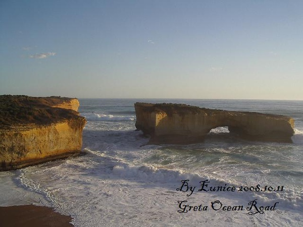 Great Ocean Road-53-the Lodon Bridge-named.jpg