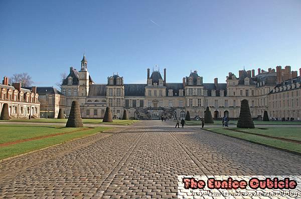 Chateau_Fontainebleau.jpg