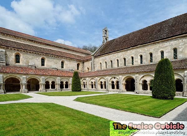 Abbaye de Fontenay.jpg