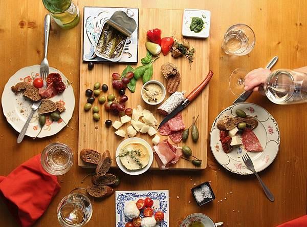 dinner-3425334_1280.jpg
