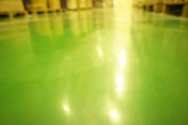 epoxy(環氧樹酯)地板. 不易堆積粉塵. 減少污染