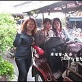 02-004-金邊嘟嘟車上-田田和ann和eva-by田田.jpg