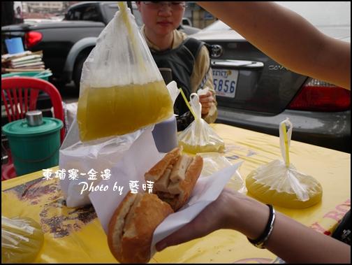 07-014-金俄羅斯市場-1000瑞爾甘蔗汁和1美金法國麵包.jpg