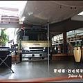 06-015-西哈努克-airport-pub舞台.jpg