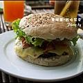 06-024-西哈努克-airport-超級漢堡.jpg