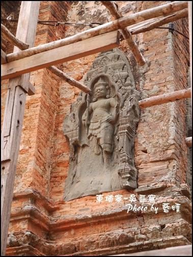 06-003-吳哥窟-羅雷寺-金剛力士雕像.jpg