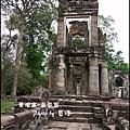 06-026-吳哥窟-寶劍塔-罕見的兩層樓構造-傳說中圖書館.jpg