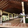 01-002-柬埔寨皇宮渡假飯店玄關.jpg