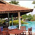 01-013-柬埔寨皇宮渡假飯店泳池.jpg