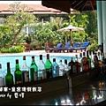 01-014-柬埔寨皇宮渡假飯店泳池.jpg