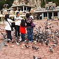 043-30黑風洞-餵鴿子