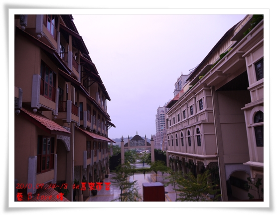 039-20普爾曼湖畔飯店-雨天清晨