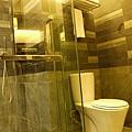 036-9普爾曼湖畔飯店-房間浴室