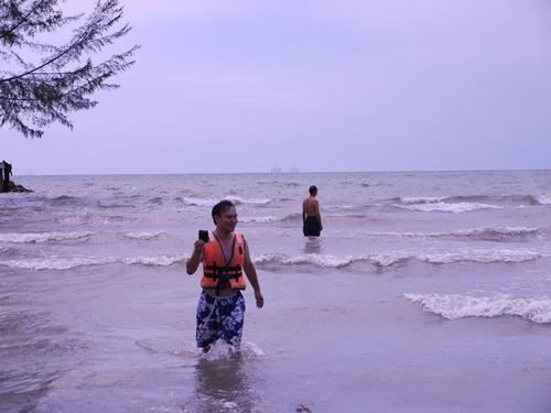 021-18黃金海岸-疑似相機掉海裡
