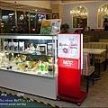 Rainbow Waffle cafe-04.jpg