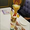 Rainbow Waffle cafe-30.jpg