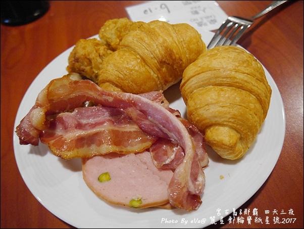 09 麗星郵輪寶瓶星號航海家國際美食自助餐廳-08.jpg