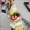 Rainbow Waffle cafe-36.jpg