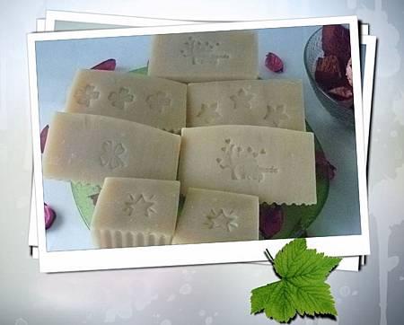 1010520紫草鮮乳皂-1-1