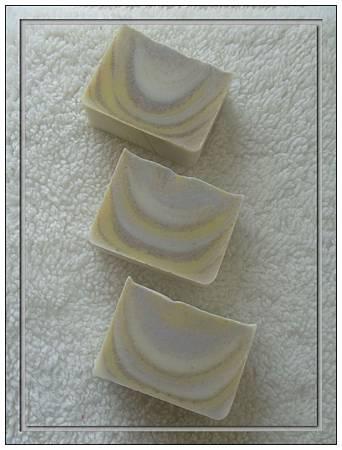 NO34:綠石泥乳油木香水皂-1