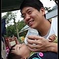 小米則用喝奶掩飾自己的害羞