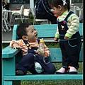小米:安安~你這樣很不優雅捏~~; 安安:但是我成功的逗你笑啦 (我以後一定是個泡妞高手)