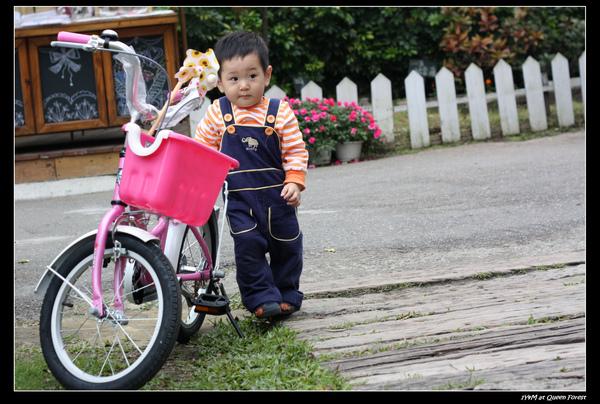 """小米~下次我們就來騎腳踏車""""甜蜜蜜""""ㄅ、 不過..先等我練好"""