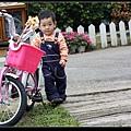"""小米~下次我們就來騎腳踏車""""甜蜜蜜""""ㄅ,  不過..先等我練好"""
