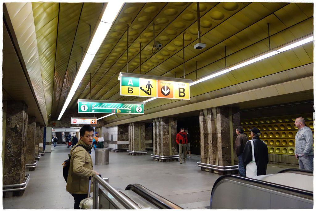 地鐵-16