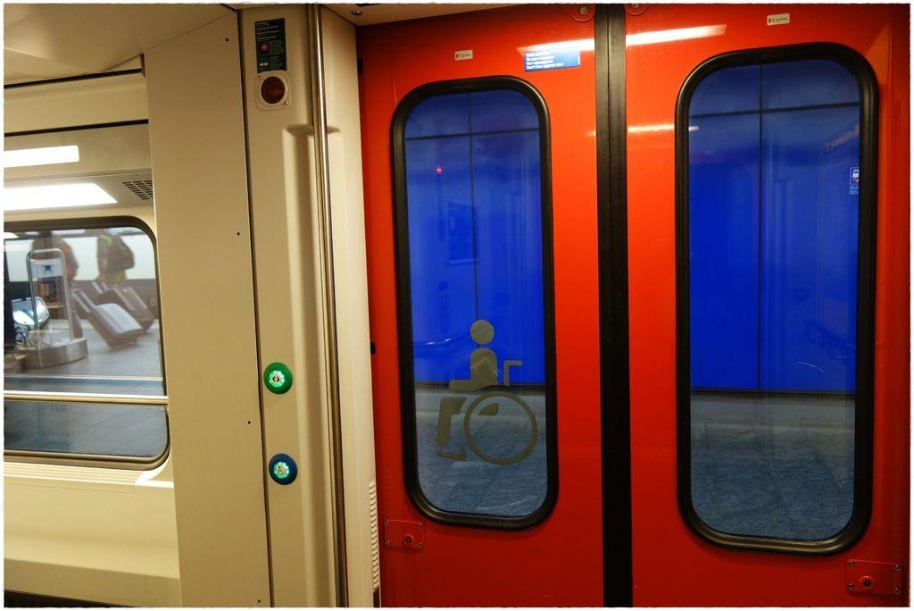 交通-蘇黎世機場搭火車-5.JPG