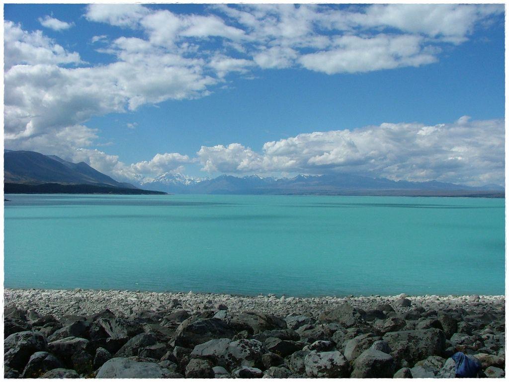 湖-1.jpg