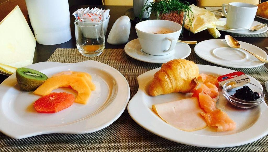 酒店早餐-2.jpg